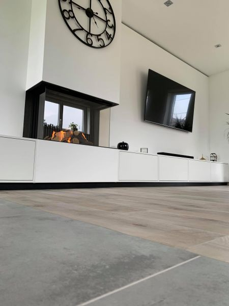 Conception-architecturale-autour-du-nouveau-stuv-6-mobilier-sur-mesure-systeme-multimedia-integre-2